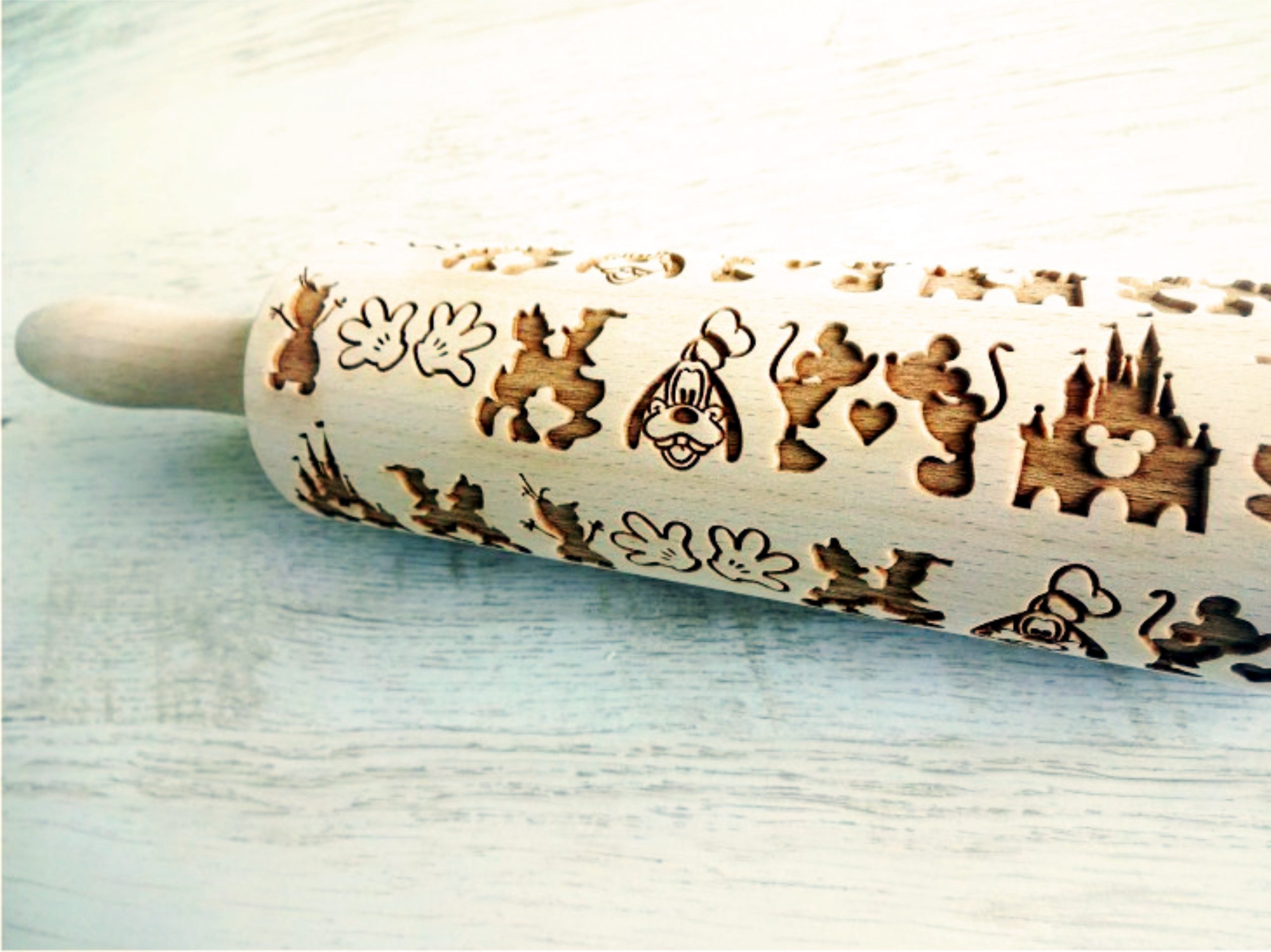 DISNEY embossing rolling pin