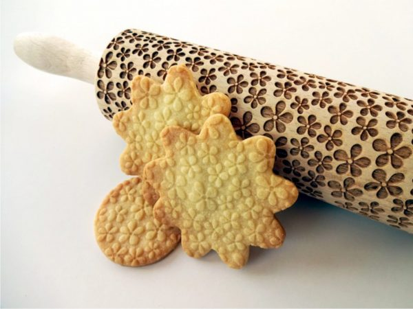 FLOWERS embossing rolling pin