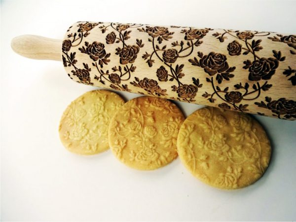 ROSES WREATH embossing rolling pin