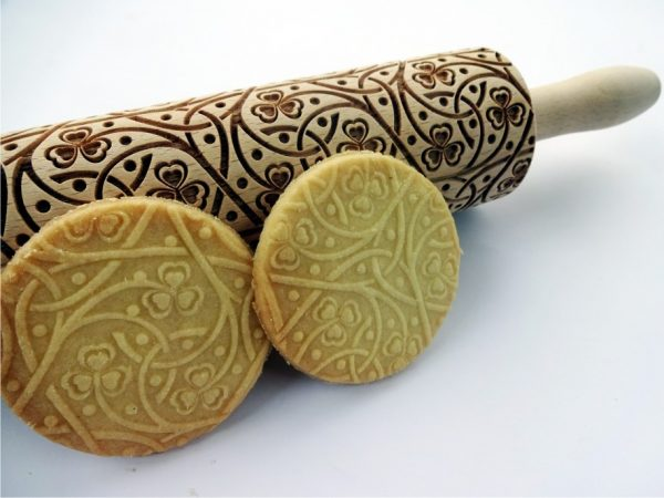 CLOVER KNOT embossing rolling pin