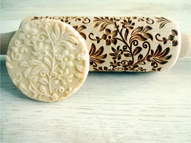 FLORAL WREATH kids rolling pin