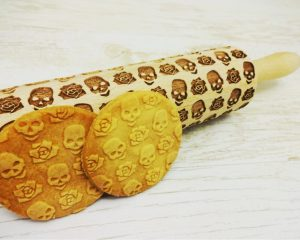 SKULLS and ROSES Embossing Rolling Pin