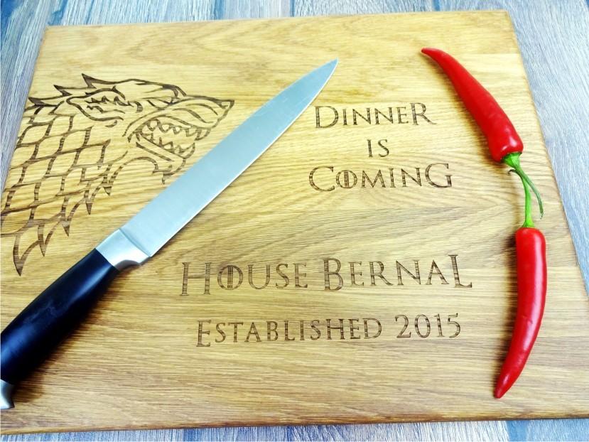 Game of Thrones with personalization cutting board